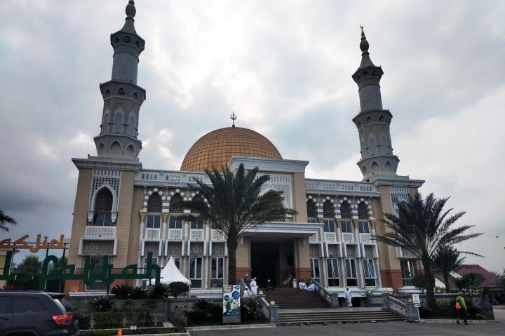 Unik, Masjid Al Fattah Tasikmalaya Berbentuk Tiga Bangunan
