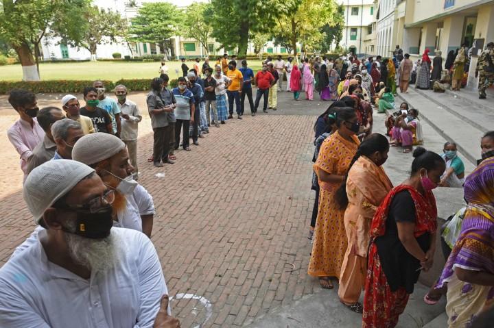 Jutaan Warga India Tetap Ikuti Pemilu Daerah di Tengah Tsunami