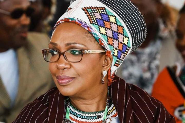 3 Berita Foto Terpopuler: Ratu Zulu Meninggal hingga Puluhan