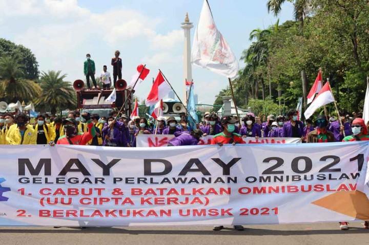 3 Berita Foto Terpopuler: Peringatan Hari Buruh hingga Kebakaran
