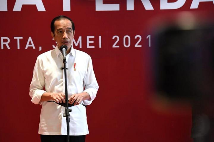 Jokowi Tinjau Vaksinasi Massal Bagi Para Pelaku Usaha