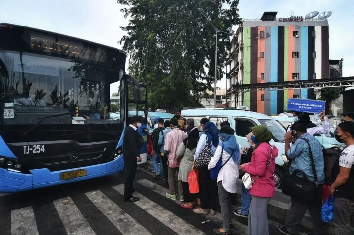 Dishub DKI Siapkan Bus Gratis Saat Stasiun Tanah Abang Tutup