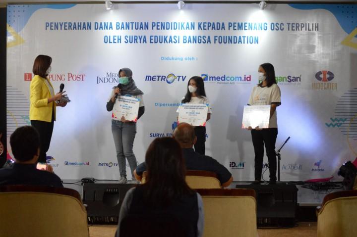 Media Group Beri Dana Bantuan untuk 100 Peraih Beasiswa