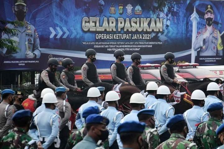 Polda Metro Jaya Gelar Apel Pasukan Operasi Ketupat