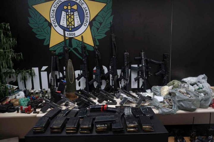 25 Meninggal Dalam Penggerebekan Geng Narkoba di Brasil