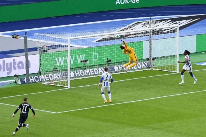 Liga Jerman: Cukur Freiburg 3-0, Hertha Berlin Mentas dari Zona