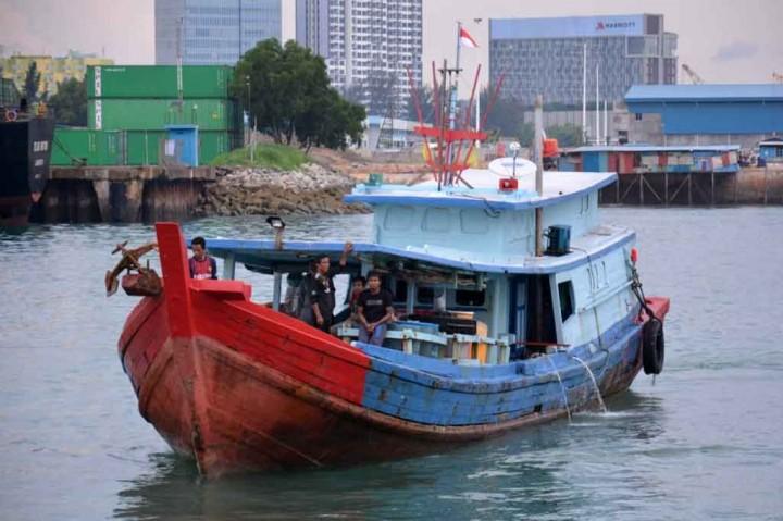 Bakamla Jemput Delapan Nelayan Masuki Wilayah Malaysia