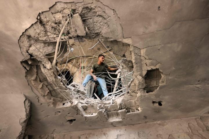 Korban Meninggal Akibat Gempuran Israel di Palestina Jadi 69
