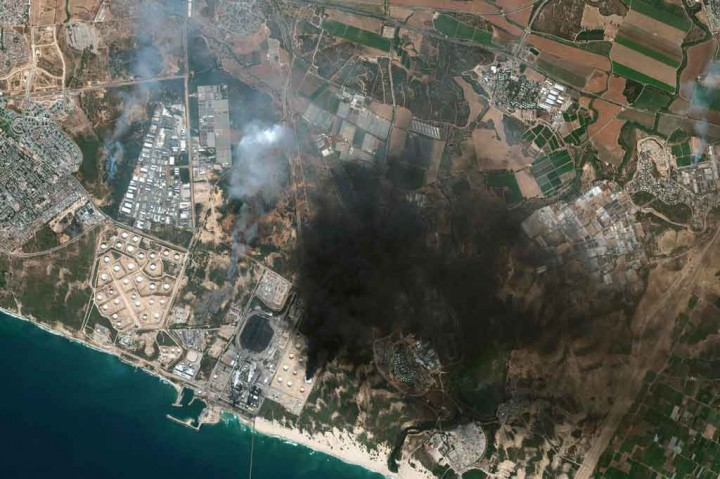 Israel Terus Gempur Gaza, Lebih dari 100 Warga Palestina