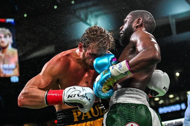 Hasil Tinju Dunia: Floyd Mayweather Gagal Pukul KO Logan Paul