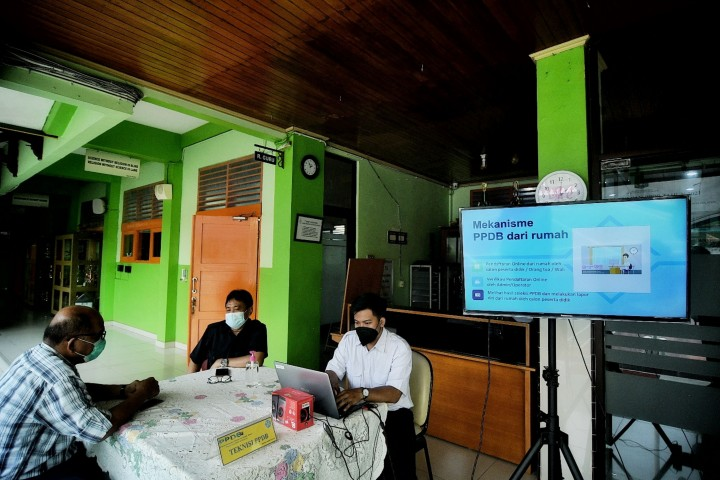 Suasana Hari Pertama PPDB DKI Jakarta