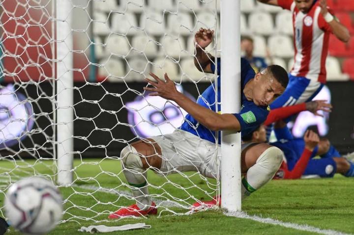 Paraguay Vs Brasil: Celecao Taklukkan La Albirroja 2-0