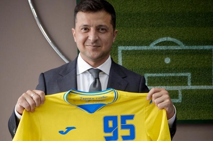Ini Jersey Timnas Ukraina yang Diprotes Rusia