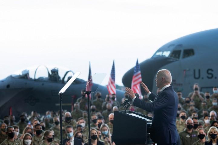 Momen Joe Biden Tiba di Inggris dalam Kunjungan Resmi Perdana ke