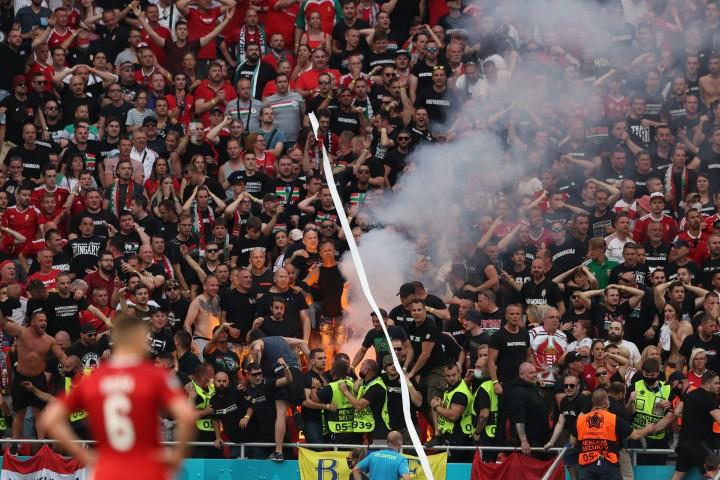 Potret Puluhan Ribu Penonton Padati Stadion di Laga Hungaria Vs
