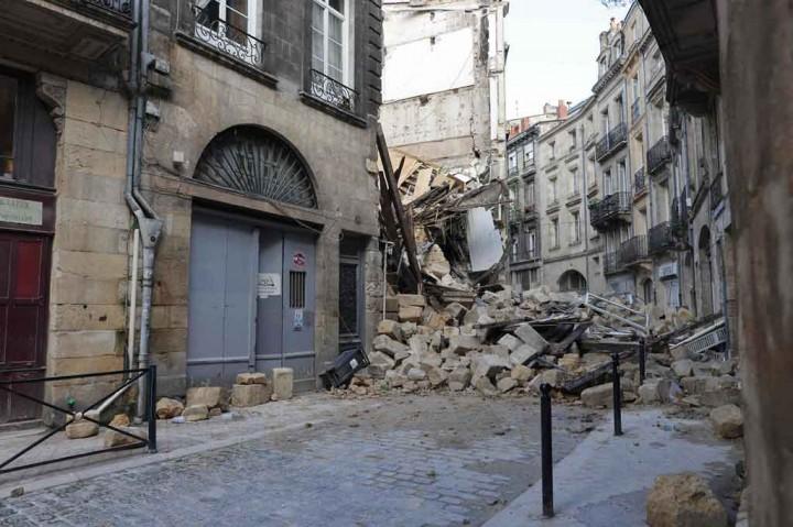 Tiga Orang Luka-luka akibat Dua Rumah Tinggal di Bordeaux Runtuh