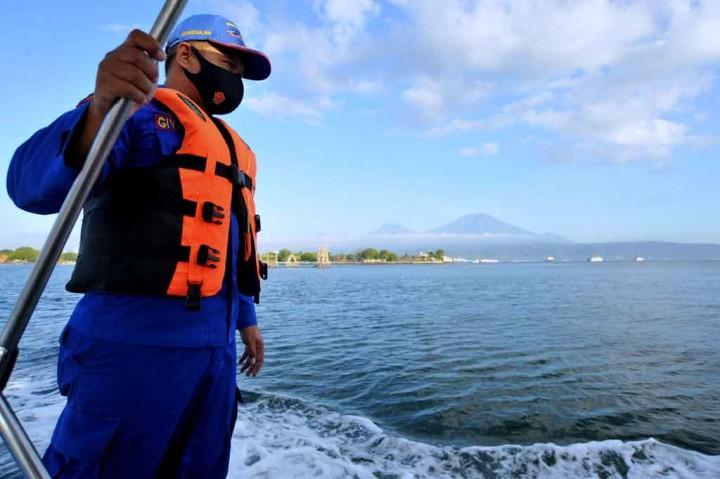 Pencarian terhadap Korban Tenggelamnya KMP Yunicee Terus