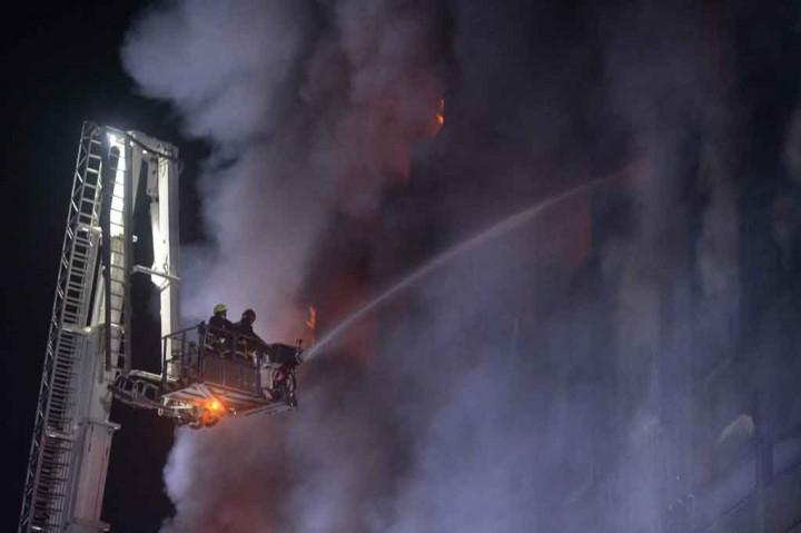 Tiga Meninggal, 30 Terluka dalam Kebakaran Pabrik di Bangladesh