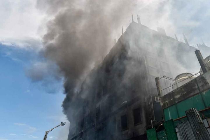 Korban Meninggal Kebakaran Pabrik di Bangladesh Bertambah Jadi