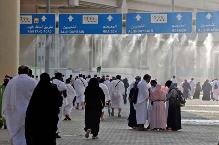 Melihat Prosesi Lempar Jumrah Jemaah Haji 2021