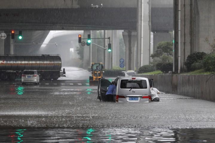 Henan Diguyur Hujan Terlebat dalam 1.000 Tahun, Banjir Lumpuhkan