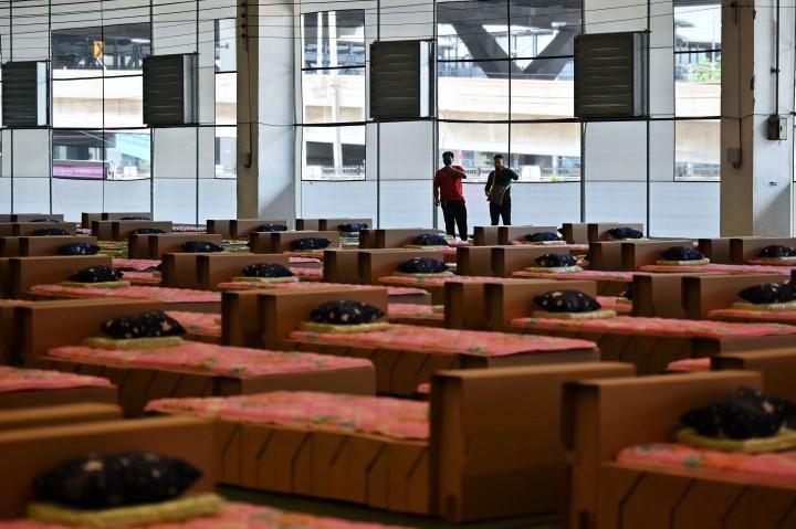 Foto: Gudang Kargo Bandara Bangkok Disulap Jadi RS Darurat