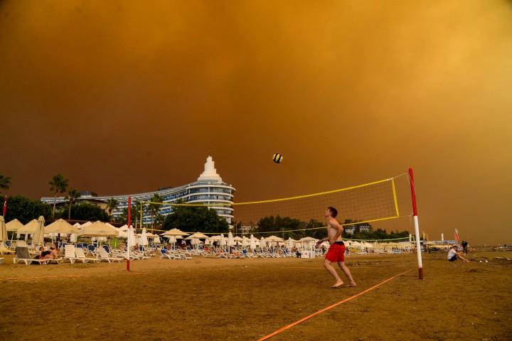 Penampakan Kebakaran Hutan Hebat Landa Turki