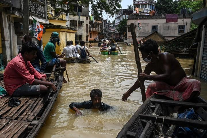 Potret Banjir Parah Terjang India, 16 Orang Meninggal
