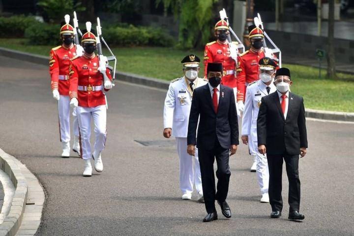 Foto: Jokowi Lantik Gubernur dan Wakil Gubernur Kalimantan