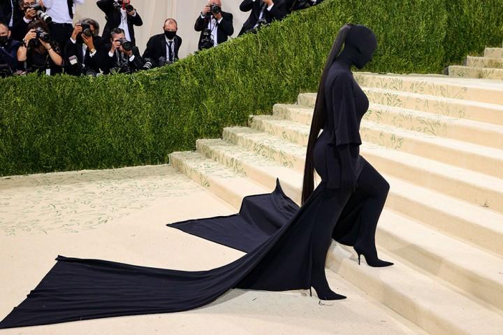 3 Foto Terpopuler: Gaun Kim Kardashian di Met Gala hingga Nasib