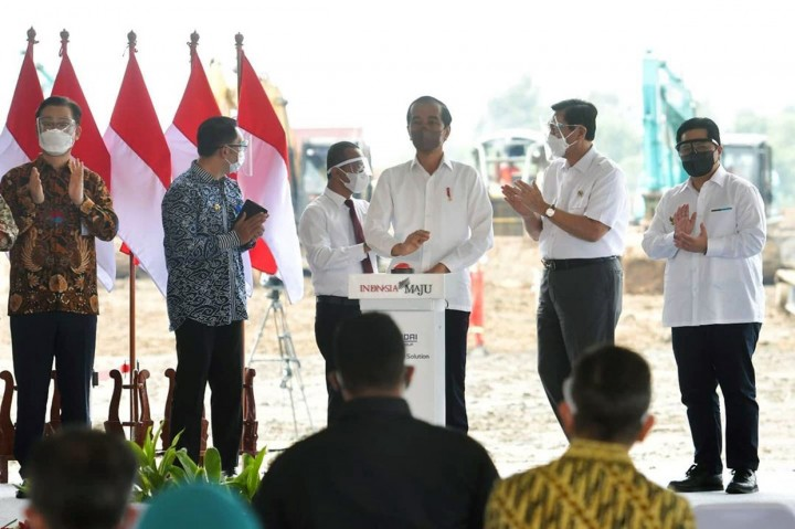 Foto: Jokowi Groundbreaking Pabrik Baterai Kendaraan Listrik