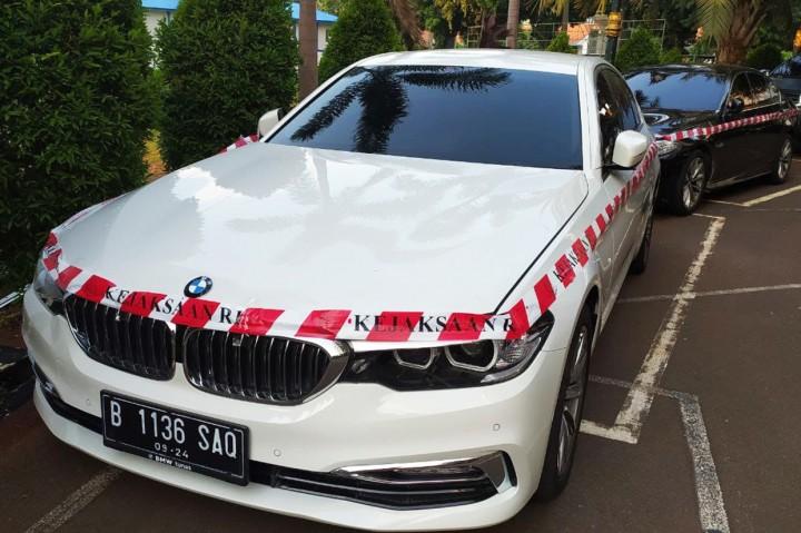 Ini 2 BMW Teddy Tjokrosaputro yang Disita Kejagung Terkait Kasus