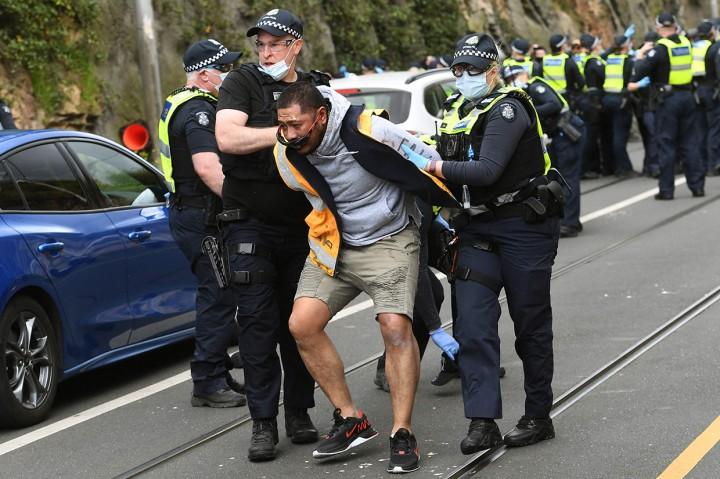 Demo Anti-Lockdown di Melbourne Diwarnai Kericuhan