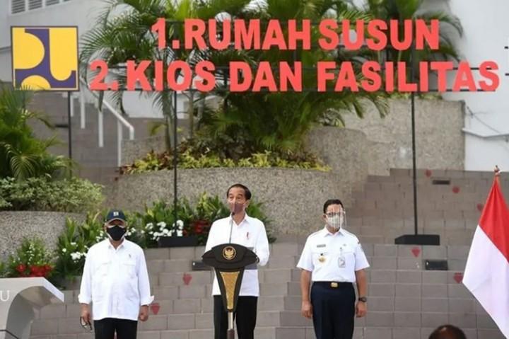 3 Foto Terpopuler: Chelsea Lumat Tottenham hingga Jokowi