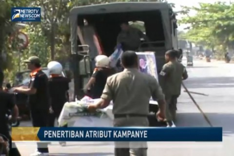 Pawaslu dan Satpol PP Tertibkan Alat Peraga Kampanye