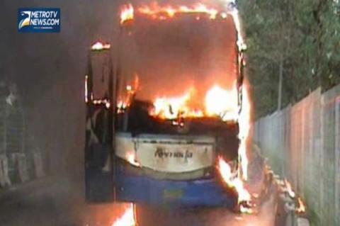 Bis Armada Jaya Antar Provinsi Terbakar