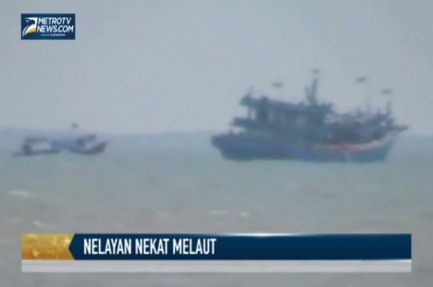 Meski Gelombang Tinggi, Nelayan Tegal Nekat Melaut