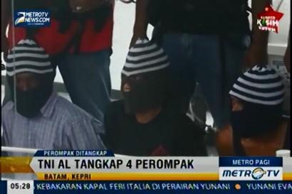 TNI AL Tangkap 4 Perompak yang Beraksi di Selat Malaka