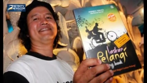 Andrea Hirata Bocorkan Rahasia Menulis Novel