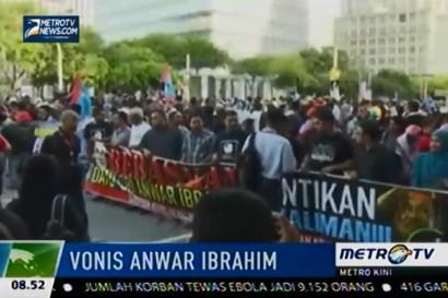 Unjuk Rasa Kecam Vonis Anwar Ibrahim