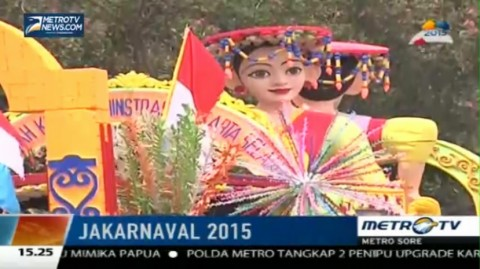 Ragam Mobil Hias Ramaikan Jakarnaval 2015