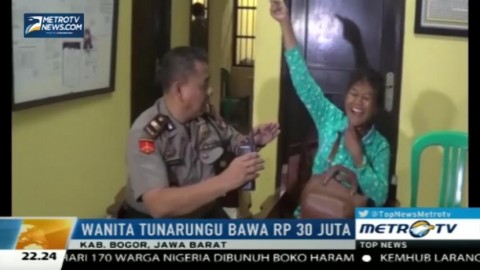 Wanita Tuna Rungu Bawa Uang Rp30 Juta Gegerkan Warga Bogor