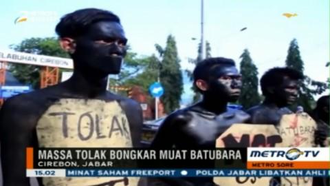 Mahasiswa Cirebon Demo Tolak Bongkar Muat Batubara