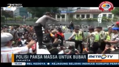 Mahasiswa Papua Bentrok dengan Polisi di Bundaran HI