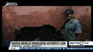 Rumah Warga Cimahi Jebol Akibat Diterjang Banjir