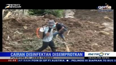 Dinkes Semprotkan Cairan Disinfektan di Area Longsor Purworejo