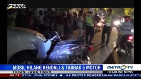 Hilang Kendali, Mobil Tabrak Lima Motor di Tuban