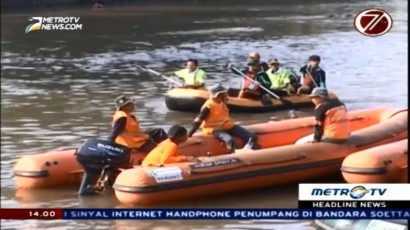 KLHK dan Komunitas Warga Gotong Royong Bersihkan Ciliwung