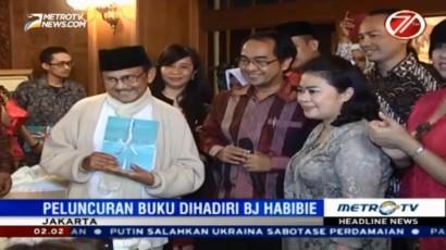 BJ Habibie Hadiri Peluncuran Buku Sains45 Karya AIPI