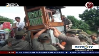 Satpol PP Sita Belasan Dagangan PKL Tanah Abang